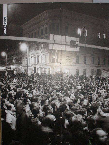 recordatorio de la caída del muro de Berlin