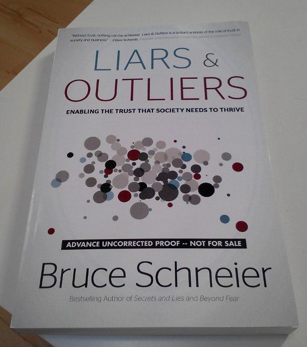 Liars & Outliers, de Bruce Schneier
