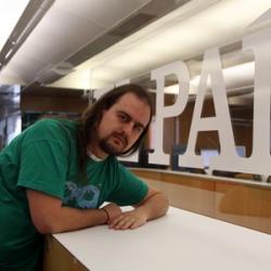 Jose Alcántara en la redacción de El País